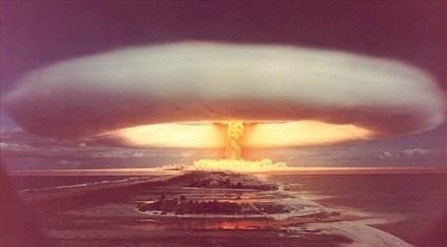 原子弹爆破-质能方程的质量亏损